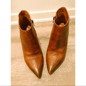 BARNEYS NEW YORK Camel Color Leather Ankle Boots